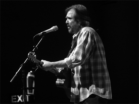 dennis locorriere live review liverpool