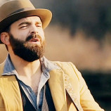 Preview: Drew Holcomb @ Acoustic Dustbowl – Friday 7th February 2014