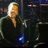 Make sure you see one of the world's most iconic singers in concert by  securing your Lionel Richie tickets