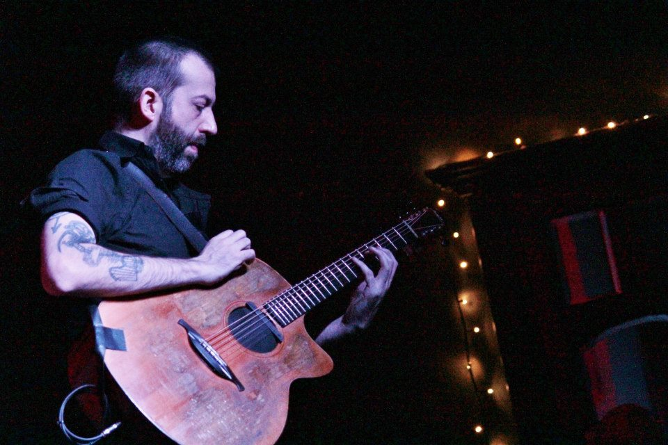 Jon Gomm at Leaf 26/3/15 © Adrian Wharton