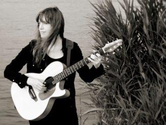 Sarah McQuaid DADGAD guitar workshop and concert in November