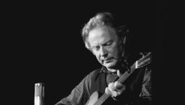 Discover the stories behind Woody Guthrie's Deportees and 12 Silk Handkerchiefs with Reg Meuross at the Music Room on 27th April